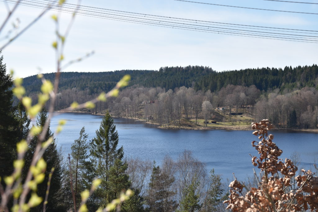 Vy från utsiktsplats ovanför Sundet utmed Klevaleden mot Agnbäck.
